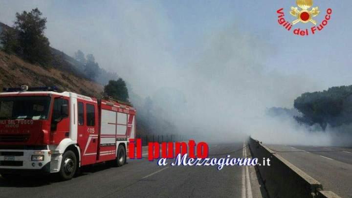 Incendi sterpaglie sull'A1, Autostrada chiusa ad Anagni