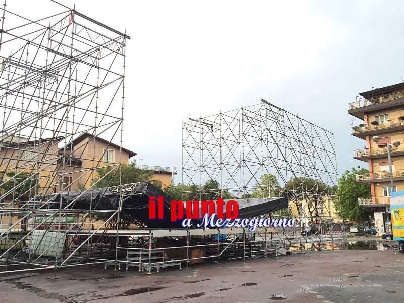 """Cassino: Un violento nubifragio fa crollare la copertura del palco del """"Beer Festival"""""""