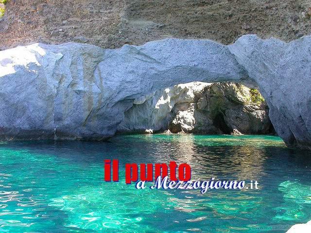 Cala Fonte a Ponza tra le spiagge più belle d'Italia