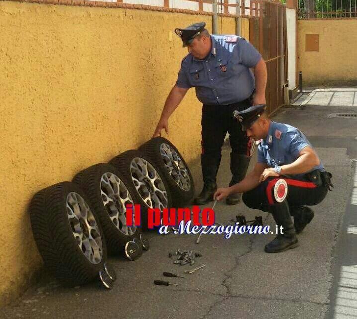 Rubano ruote ad un'auto e tentano un secondo furto. Due arresti a Cassino
