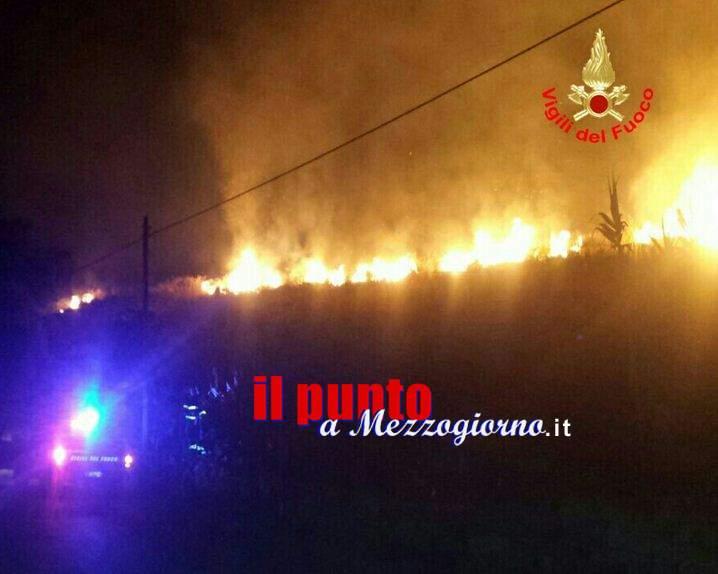La provincia di Latina nella morsa degli incendi. Minacciate case e stalle