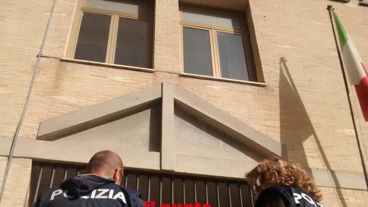 Tribunale evacuato, mistero sulla causa dei malori. Giudice in ospedale
