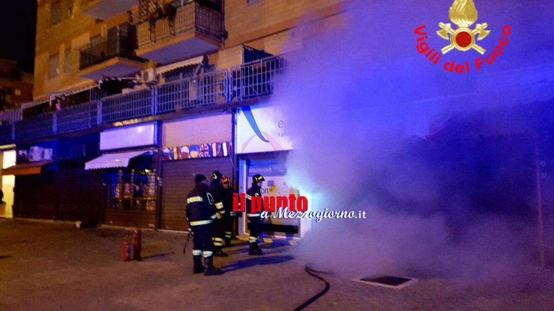 Agenzia finanziaria in fiamme a Latina, paura in un palazzo di 10 piani