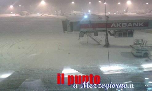 Freddo e gelo, Cassinati bloccati ad Istanbul. Da due giorni niente voli