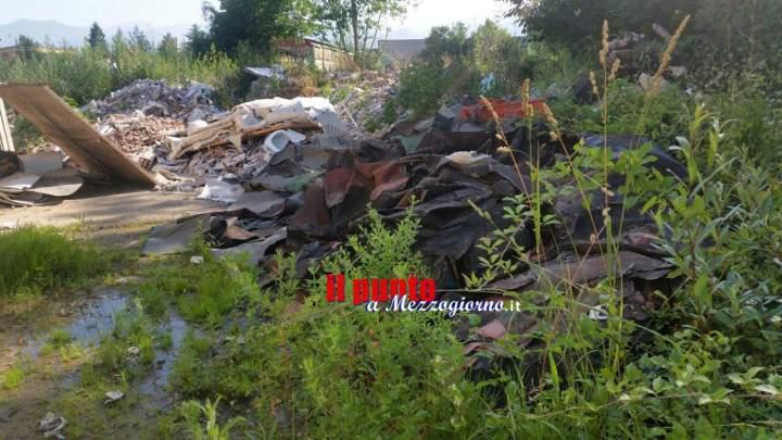 Isola ecologica indecente a Cassino, Della Corte lancia l'allarme: liquami e cumuli