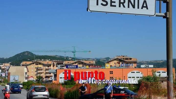 Isernia: Furti e droga, blitz dei Carabinieri, quattro persone denunciate e sequestro dosi di cocaina