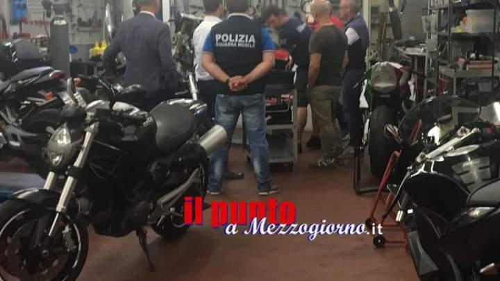 Compra moto per correre al Mugello e le paga con assegni falsi, sequestri durante prove del Gp