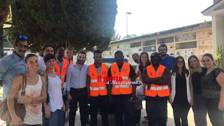 Cassino: I ragazzi del progetto Sprar al lavoro nel cimitero a San Bartolomeo