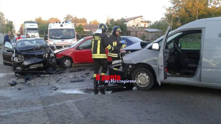 Piedimonte San Germano: Incidente stradale sulla Casilina, coinvolte 4 auto. Quattro persone ferite