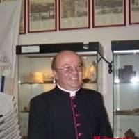 La morte di don Antonio Colella, uno choc per la comunità dei fedeli e per la Città
