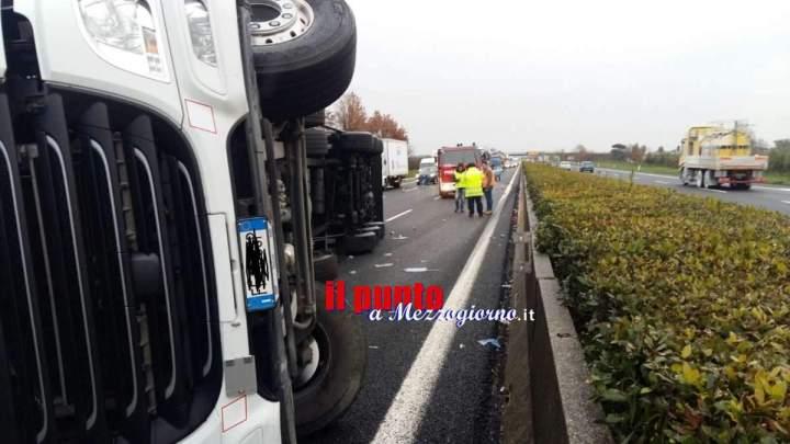 Camion ribaltato sull'A1 tra i caselli di Pontecorvo e Ceprano, disagi al traffico