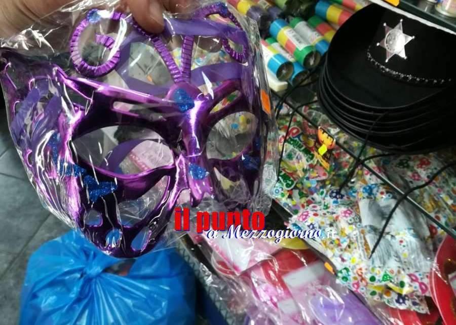 Giocattoli e articoli carnevaleschi cinesi irregolari a Piedimonte: sequestrate 900 confezioni