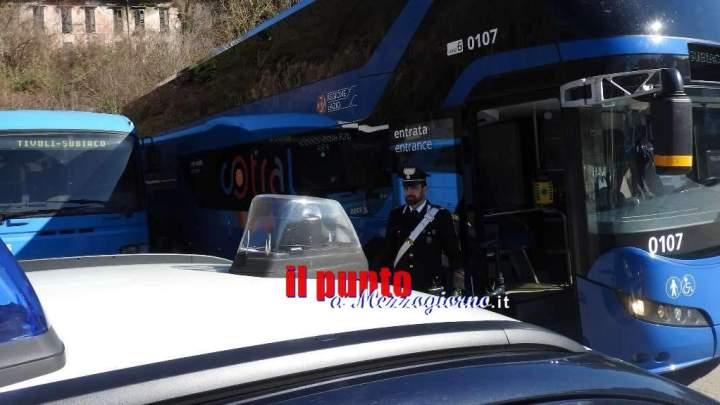 Ferma un autobus a Picinisco e pretende di essere portato a Frosinone, denunciato 30enne