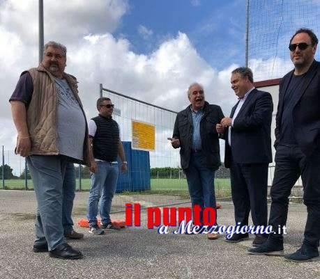 Manutenzione straordinaria al manto sintetico e alle tribune del campo sportivo di Velletri