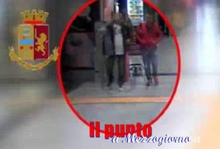 VIDEO – Ecco come clonavano i bancomat, in due avevano carpito migliaia di codici a Fiumicino