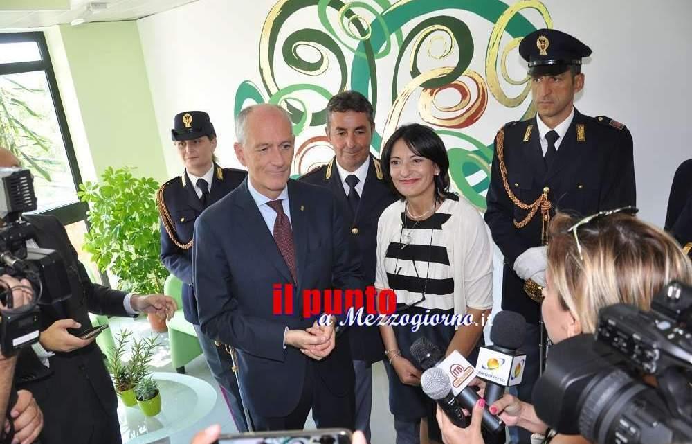 """Il Capo della Polizia Franco Gabrielli inaugura la """"Green Room"""" in questura a Frosinone"""