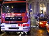 Roma: si lancia dal quinto piano a Tivoli e travolge vigile del fuoco, entrambi feriti gravi