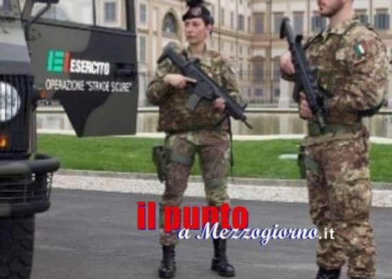 Vaticano, Trenta: Straniero getta liquido infiammabile su mezzo dell'Esercito e tenta di dar fuoco, immobilizzato da soldati