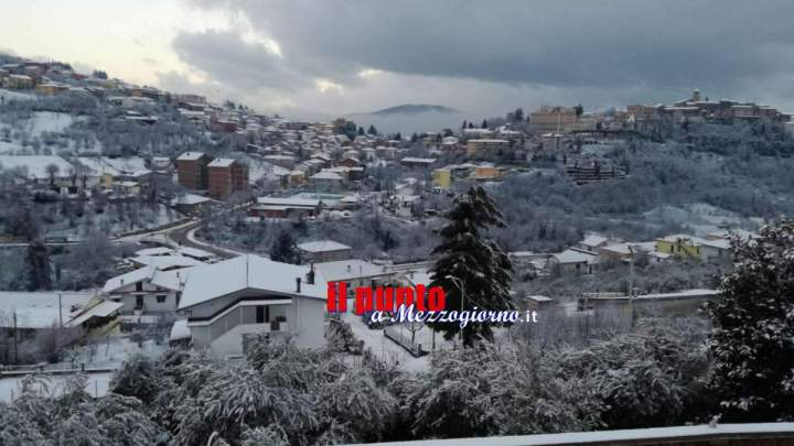 Neve in nel Frusinate, imbiancate Fiuggi e Sora – FOTO e VIDEO