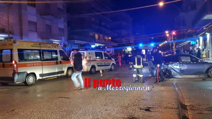 Incidente stradale in centro a Cassino, tre feriti in carambola di auto