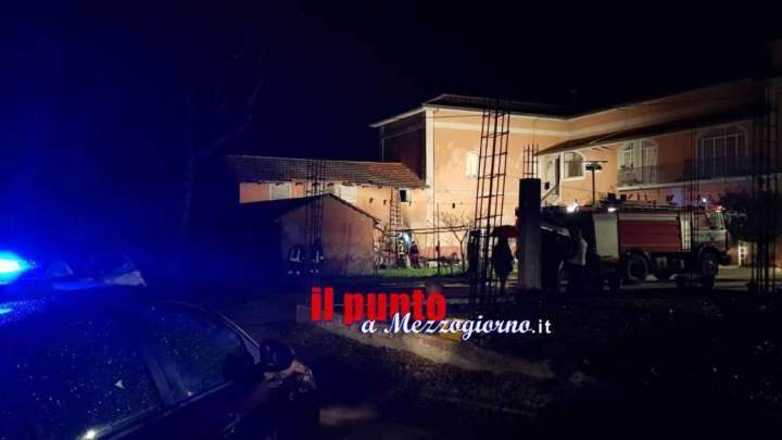 Cucina in fiamme a Pignataro Interamna, locale inagibile