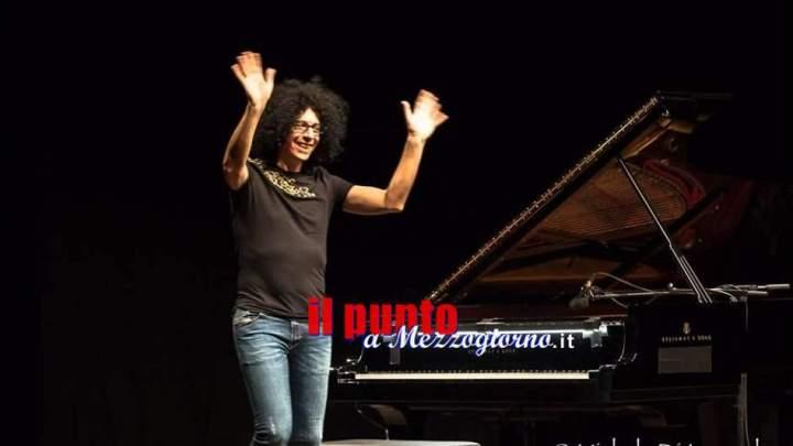 Cassino ArtCity2019, serata magica all'Anfiteatro con la musica e la simpatia di Giovanni Allevi