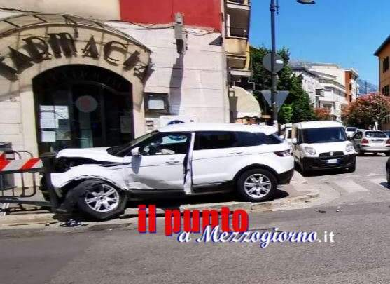 Incidente stradale in centro a Cassino, tre feriti