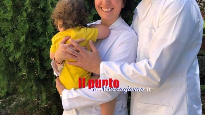Samanta (di Aquino) e Luca, coniugi scienziati scoprono importanti elementi nella lotta a leucemia e tumori
