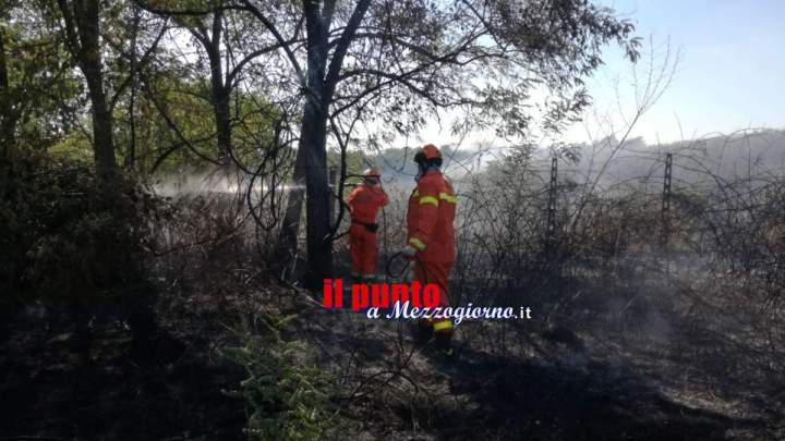 Pastena, fa pulizia di sterpaglie con fuoco, 67enne incendia 5 ettari di macchia mediterranea