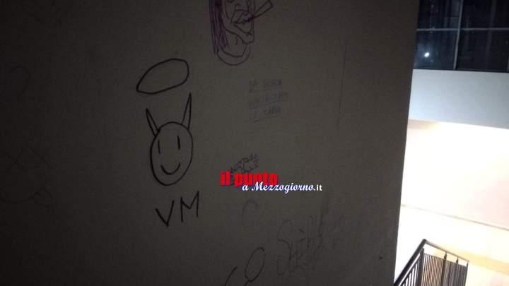 Sottopasso della stazione di Velletri ripulita ma nuovamente in balìa dei vandali ,