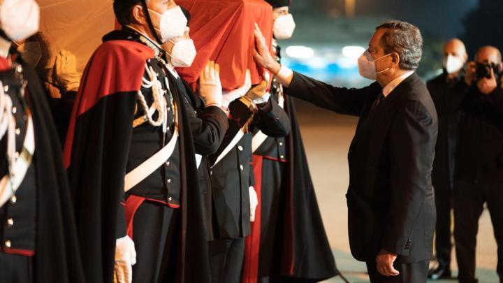 L'arrivo a Ciampino delle salme dell'Ambasciatore Luca Attanasio e del Carabiniere Vittorio Iacovacci – FOTO E VIDEO