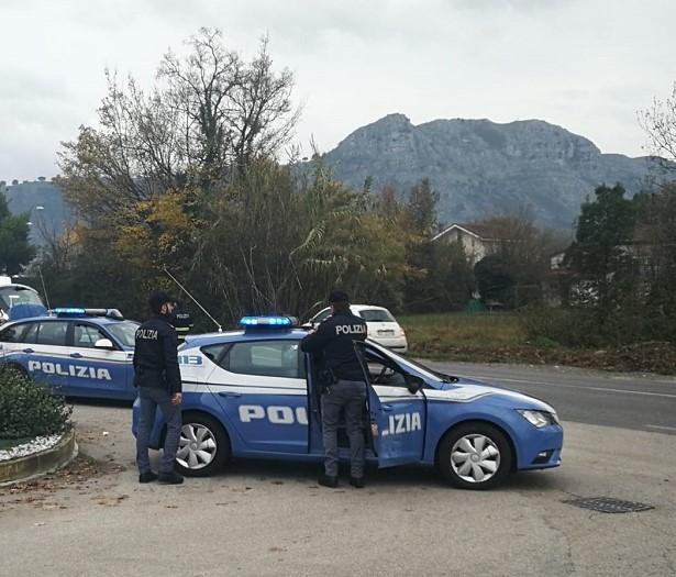 Cassino –  Operaio minaccia il suicidio: provvidenziale l'intervento della Polizia di Stato