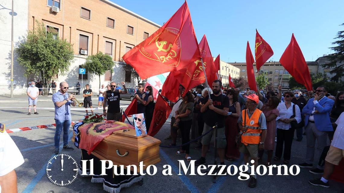 Cassino – Bandiere rosse, la tromba intona bella ciao: l'ultimo saluto a Vincenzo Durante