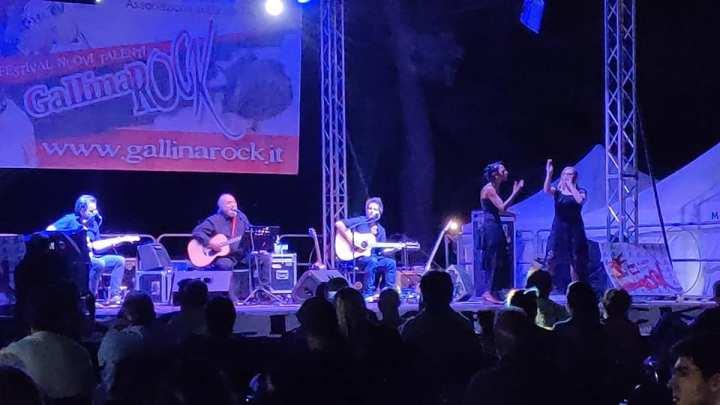 Finardi chiude tra gli applausi il GallinaRock, un Festival rivoluzionario