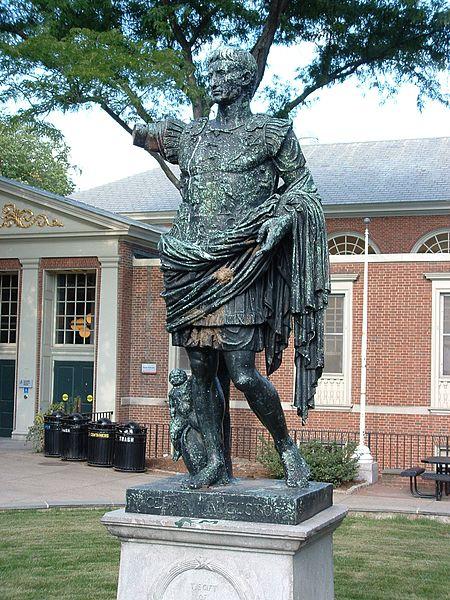 L'altra statua sotto accusa alla Brown University: quella di Ottaviano Augusto