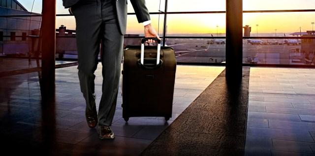 ビジネスにもスーツケースレンタル