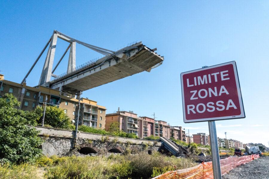 Foto LaPresse/Davide Gentile 03/10/2018 Genova (Italia) cronaca Sopralluogo sfollati al limite della zona rossa sotto il Ponte Morandi a cinquanta giorni dal crollo.