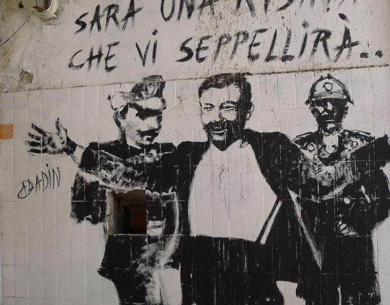 """""""Il riso e il sacro"""", la storia degli italiani tra il comico e il tragico"""