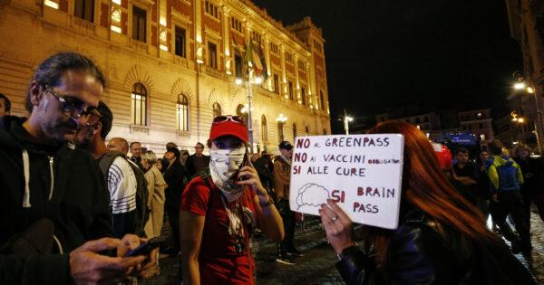 No green pass, sbrigativo dire: solo neofascisti