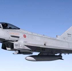 Aereo di linea invade spazio italiano: partono due caccia