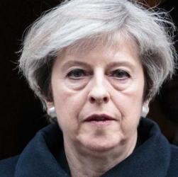 Brexit, ora la May teme il tracollo