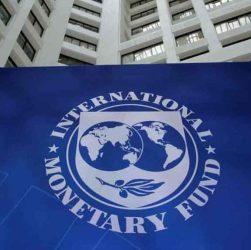 Italia sotto pressione: FMI taglia le stime, rischio buco