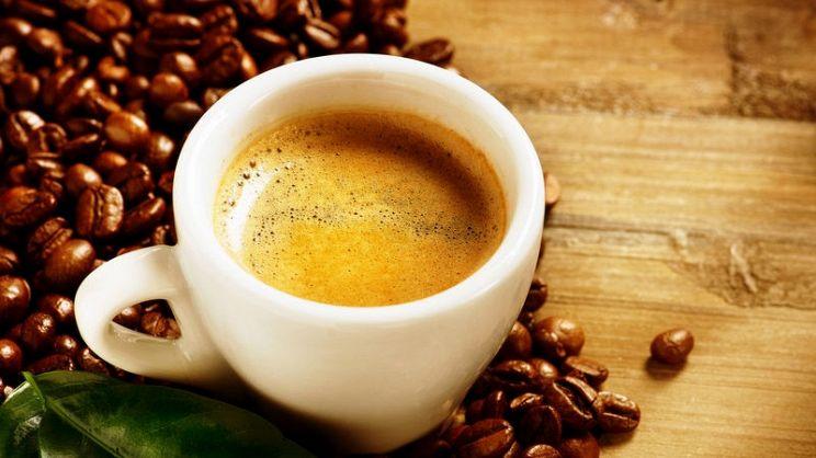 In Paradiso c'è un caffè sospeso pronto per Luciano De Crescenzo