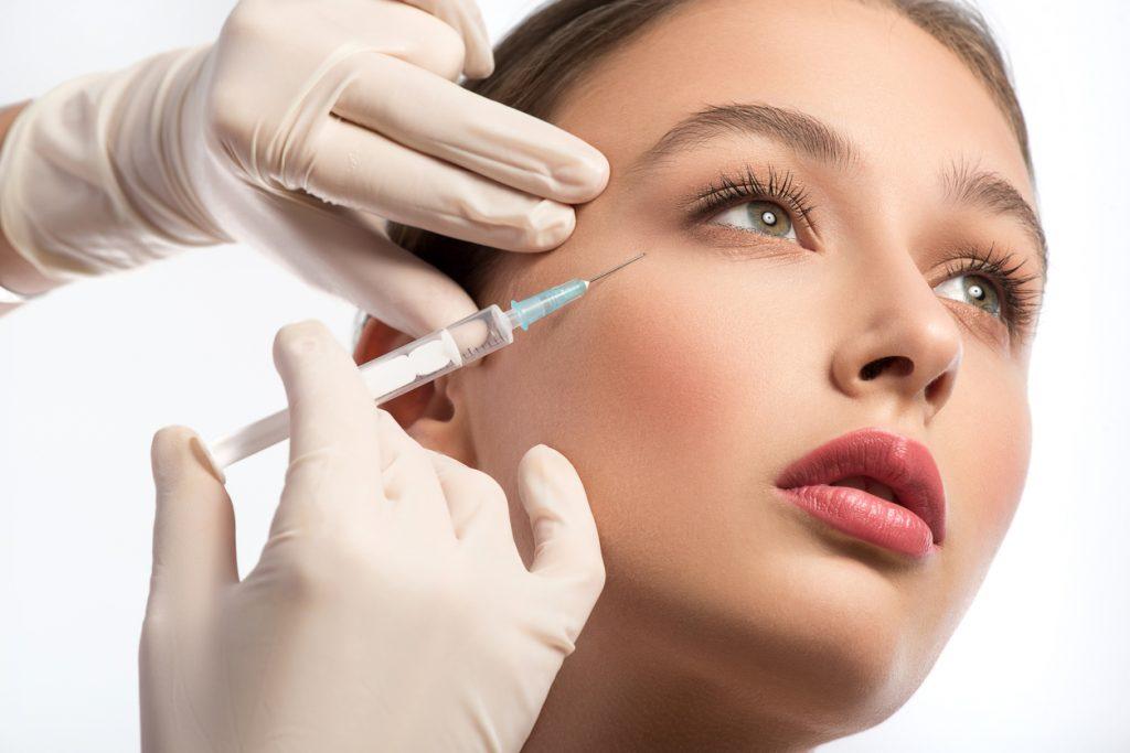 Sappiamo davvero come funziona la chirurgia estetica? La chimica del botulino