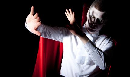 La malattia di Dracula: perché alcune persone sono costrette a vivere come vampiri