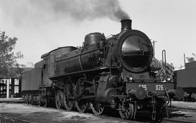 La locomotiva come elemento di trasformazione interiore secondo Montale e Guccini