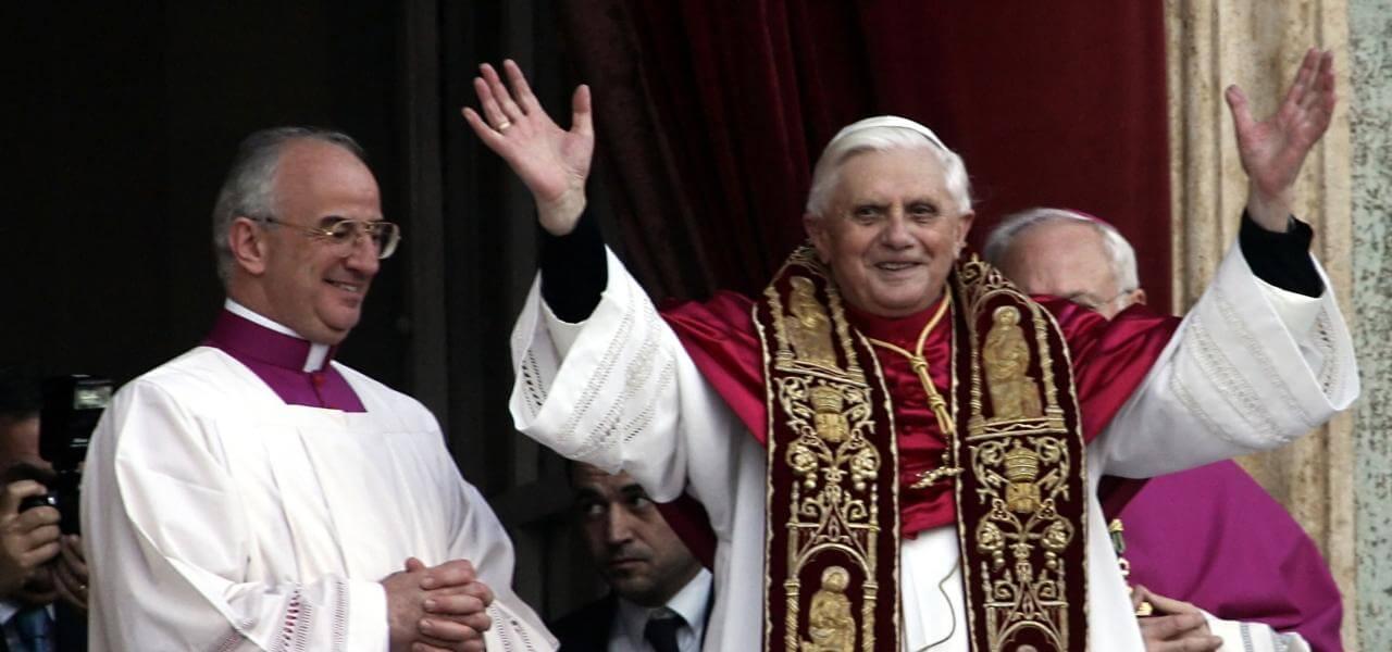 La Chiesa è crollata? Joseph Ratzinger ha provato a salvarla come ha fatto San Benedetto