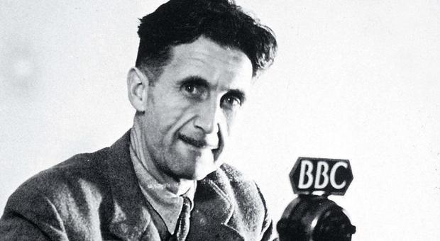 il 25 giugno nasceva George Orwell: ecco 7 aneddoti che (forse) non sapevi su di lui
