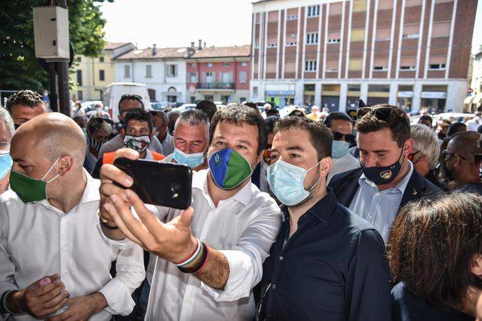 I plexiglass di Salvini ed il degrado della scuola pubblica a cui la storia di Ninni suggerisce rimedio