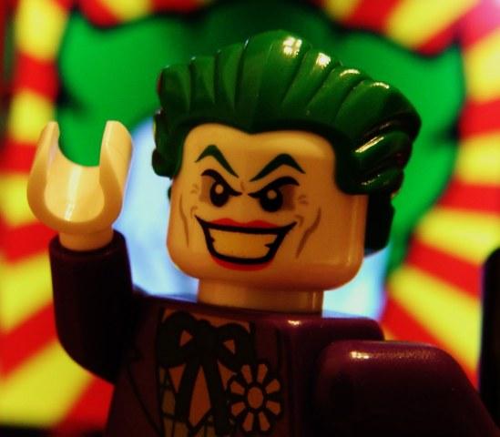 Il Joker ha avuto molti volti, ma da anni è molto amato da tutti. Cerchiamo di capirne i motivi